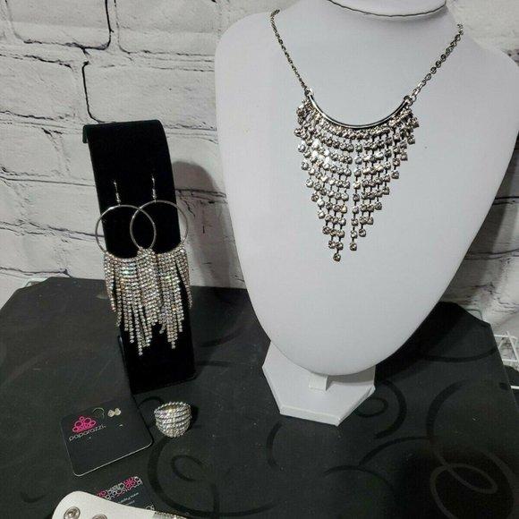 Paparazzi Necklace & Earrings Sparkle Rhinestones